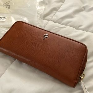 Cole Haan Travel Zip Leather Wallet NWT